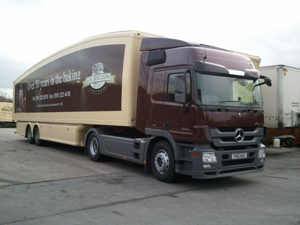 First articulated delivery truck